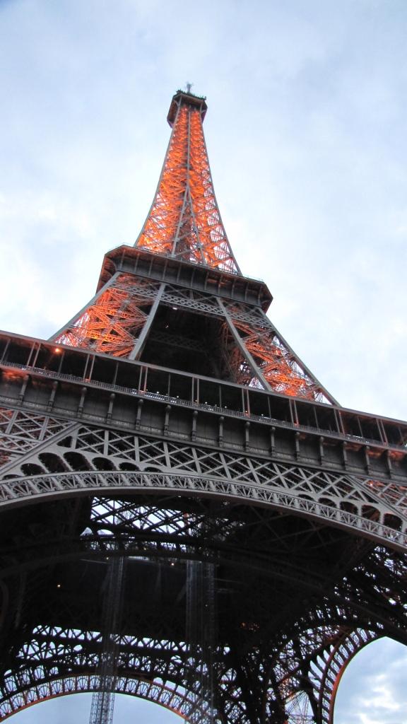 ארזתי לבד- פריז פרק ראשון