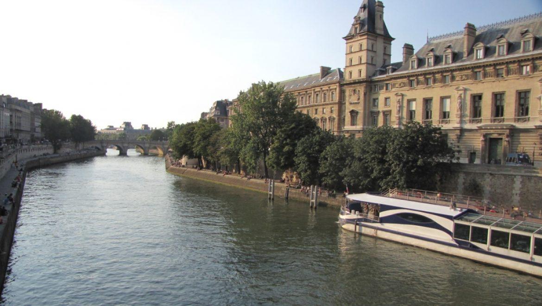 בכדור פורח, בעקבות אמלי בפריז- פרק תשיעי