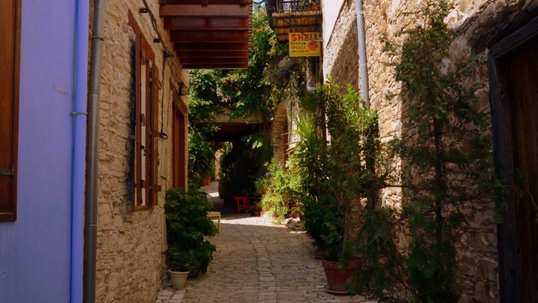 קפריסין: ניקוסיה ולפקרה